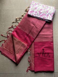 Mangalgiri cotton saree Indian Silk Sarees, Silk Cotton Sarees, Trendy Sarees, Fancy Sarees, Sari Dress, Saree Blouse, Cotton Saree Designs, Blouse Designs, Kanjivaram Sarees