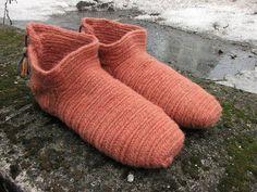 Nalbinding socks - Russian stitch