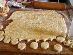 Pastry And Bakery, Pastry Cake, Romanian Food, Appetizer Dips, Food Cakes, Sweet Desserts, Soul Food, I Foods, Cookie Recipes