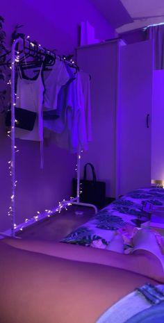 Bedroom Setup, Room Ideas Bedroom, Teenage Room Decor, Deco Cool, Neon Room, Retro Room, Cute Room Decor, Aesthetic Room Decor, Decoration