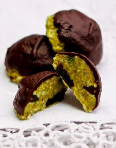 RAW - Oh wow - these look so amazing!  Pistachio Dried Cherry Macaroons - Liver cleansing diet raw food recipes for a healthy liver. Learn how to do the liver flush https://www.youtube.com/watch?v=UekZxf4rjqM I LIVER YOU