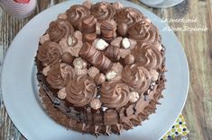 cake cake kinder bueno (easy recipe), cake kinder bueno easy, recipe layer cake kinder bueno with whipped cream mascarpone with nutella -
