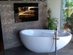 bainUltra Essencia™ in the Roberto Cavalli Display at Richmond Tile and Bath richmondtile.com