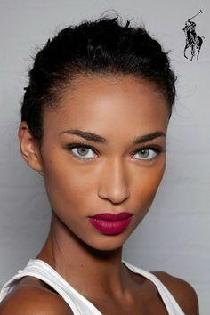 Bronzed skin + raspberry lips