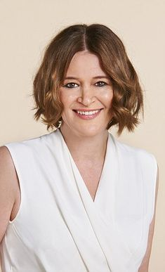 How a WOB (wavy bob) banished my bad hair days forever | Daily Mail Online