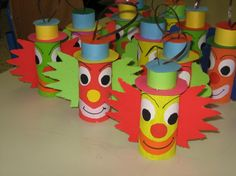 Carnival themed craft a clown out of toilet paper rolls & colored construction paper Kids Crafts, Clown Crafts, Circus Crafts, Carnival Crafts, Diy And Crafts, Arts And Crafts, Toilet Roll Craft, Toilet Paper Roll Crafts, Paper Crafts