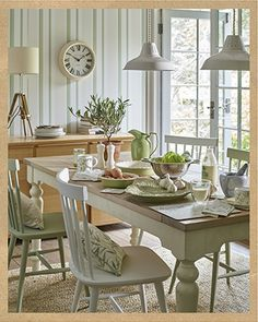 Find sophisticated detail in every Laura Ashley collection - home furnishings, children's room decor, and women, girls & men's fashion. Laura Ashley Kitchen, Laura Ashley Home, Laura Ashley Living Room, Comedor Shabby Chic, Home And Deco, Country Kitchen, Country Homes, Home Collections, Country Decor