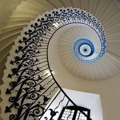 Interior Design Studio, Interior Styling, Interior Decorating, Art Nouveau Design, Art Decor, Home Decor, Stairs, Blue And White, House Design
