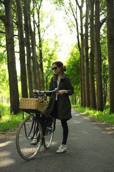 (Anorak/utility jacket/army jacket, get on my body right now. Now.) bike style