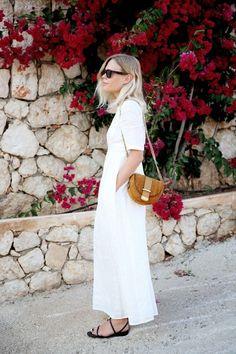 10 Minimalist Fashion Instagrams To Follow Now