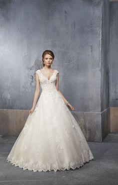 Madeline Gardner New York - Wedding dresses and bridal gowns New York Wedding Dresses, Princess Wedding Dresses, Designer Wedding Dresses, Wedding Gowns, Beautiful Gowns, Madeline Gardner, Bridal Gowns, Ball Gowns, Dream Wedding