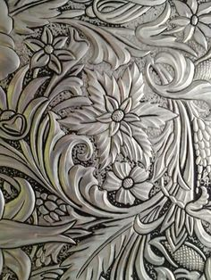 Repujado en aluminio Pewter Art, Pewter Metal, Aluminum Foil Art, Cultural Crafts, Metal Embossing, Metal Engraving, Flower Coloring Pages, Metal Artwork, Stencil Designs