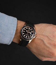 The sportiest model of the Yacht-Master with the Ref. 126655 convinces with its rose gold case, black dial, black bezel and a black rubber strap. Buy Rolex, Rolex Models, Luxury Watch Brands, Black Rubber, Rolex Watches, Rose Gold, Bracelets, Stuff To Buy, Bracelet