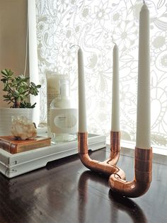 DIY candlestic made of copper pipes Diy Candle Stick Holder, Copper Diy, Copper Candle, Diy Candles, Industrial Lighting Design, Copper Candlestick, Candlesticks, Copper Candle Holders, Copper Furniture