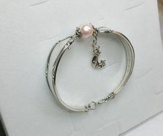 Antikes Armband mit rosaner Perle Silber  AB253 von Atelier Regina  auf DaWanda.com