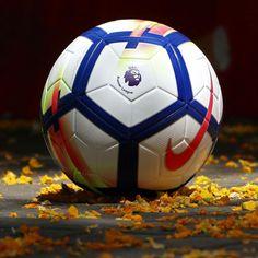 Los jugadores de la  premierleague ya tienen balón para jugar la próxima temporada  2017 - 2018. Descubre el nuevo balón de  nikefootball para esta magnífica  ... ef533c218e1bb