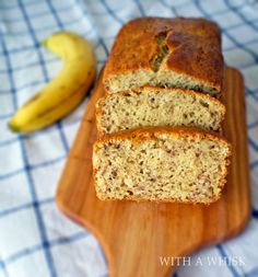 Classic Banana Bread: So Moist and Fluffy You'll Want Seconds!