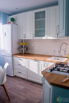 Renovate and relook kitchen shelves - HomeDBS Small Space Interior Design, Home Design, Interior Design Living Room, Kitchen Pantry Design, Kitchen Decor, Custom Kitchens, Home Kitchens, Cocinas Kitchen, Kitchen Remodel