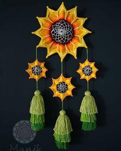 Mandala Pattern, Mandala Design, Creative Crafts, Diy Crafts, Gods Eye, Crochet Quilt, Love Art, Diy Art, Dream Catcher