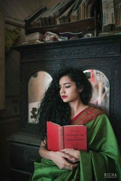 Mithila Palkar Contemporary Look 17 Portrait Photography Poses, Photography Poses Women, Fashion Photography, Portraits, Indian Photoshoot, Saree Photoshoot, Girl Photo Poses, Girl Poses, Mithila Palkar