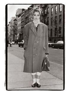 Amy Arbus: Madonna 25 évesen, St. Mark's Place, 1983