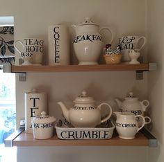 Emma Bridgewater Toast & Marmalade Kitsch, Emma Bridgewater Pottery, Emma Love, Cornishware, Wrendale Designs, Teapots And Cups, Pottery Studio, Country Decor, Dinnerware