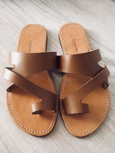 c36c64ae709701 Comfortable leather sandals come in size 7-9 colors  black brown and beige.