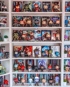 Funko Pop Shelves, Funko Pop Display, Marvel Pop Vinyl, Funko Pop Marvel, Bookshelf Inspiration, Marvel Room, Geek Room, Funk Pop, Pop Collection