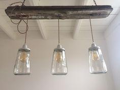 DIY lamp gemaakt van kesbeke augurken potten, snoer van de snoerboer en een stuk drijfhout