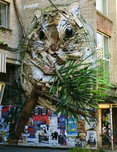 In town for the 'JJ-Street Baltic Session: Street Art Jam Portuguese street artist Bordalo II created a large flying squirrel which is sitting peacefully… Land Art, Art Et Pub, Animal Sculptures, Sculpture Art, Ceramic Sculptures, Urbane Kunst, Trash Art, Colossal Art, Arte Popular