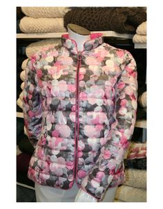 Reversible fashion jacket 71090019 from Barbara Lebek's Spring/Summer Collection Ideal outerwear for chilly summer evenings. Two for the price of one! Pink Jacket, Jacket Style, Summer Evening, Spring Summer, Irish Fashion, Summer Jacket, Quilted Jacket, Summer Collection, Winter Jackets