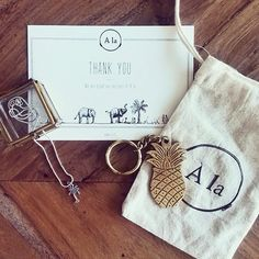 P E O P L E // Happy customers are the #best! @shakeofstyle_  #Àla #alacollection #palmtreesandpineapples #happycustomers #forevergrateful #packaging #thankyounotes