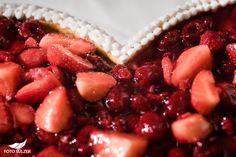 55 Hochzeit Gasthaus Seewirt Raspberry, Strawberry, Fruit, Food, Engagement, Essen, Strawberry Fruit, Meals, Raspberries
