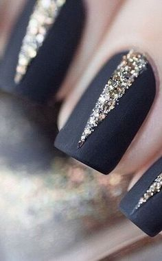 Pink with glitter Nail Art Designs, Nail simple nail designs. Lovely Summer Nail Art Ideas, Art and Design. Red, White, and Gold Glitter Nail Art Design New Year's Nails, Love Nails, How To Do Nails, Hair And Nails, Nails 2016, Nagellack Design, Nagellack Trends, Gorgeous Nails, Pretty Nails