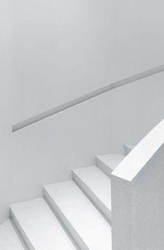 White stairs at Yohji Yamamoto store - Paris, France 2008 | interior design. Innenarchitektur . design d'intérieur | Architect: Sophie Hicks |