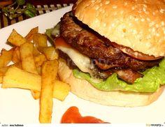 Základem úspěchu dobrého burgeru (samozřejmě kromě masa) je kvalitní bulka. Proto neváhejte a kupte tu nejlepší, kterou seženete.  Maso...