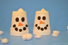 FUN KID PROJECT: Make snow shooters! Easy, DIY toy kids love. #winteractivitiesforkids #wintercraftsforkids