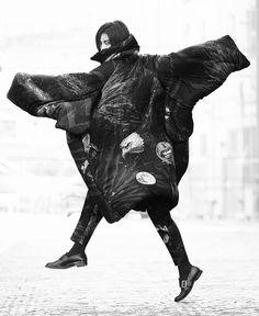 YOHJI YAMAMOTO | EDITORIAL: HIROMI / PHOTOGRAPHY BY SUGURU KAIBARA