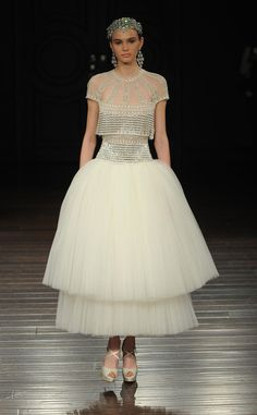 Naeem Khan Spring 2017 | https://www.theknot.com/content/naeem-khan-wedding-dresses-bridal-fashion-week-spring-2017