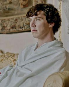 Are you wearing any pants? Sherlock Season 1, Sherlock 3, Sherlock Holmes, Ragnor Fell, Sherlock Wallpaper, Cute Couple Wallpaper, Benedict Cumberbatch, Best Artist, Gorgeous Men
