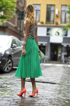 Ootd: Asos Green Skirt And Holographic Clutch ( Metallic Tanks & Pleated Skirts )