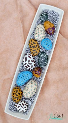 100 Gorgeous DIY Stone, Rock, and Pebble Crafts To Beautify Your Life - Usefull Information. 100 Gorgeous DIY Stone, Rock, and Pebble Crafts To Beautify Your Life Pebble Painting, Pebble Art, Stone Painting, Pebble Stone, Stone Crafts, Rock Crafts, Rock Painting Designs, Paint Designs, Rock And Pebbles
