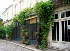 Passage Lhomme - Frenchies in Paris
