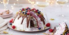With this delicious dessert you are guaranteed to impress Christmas - With this delicious dessert you are guaranteed to impress Christmas - New Year's Desserts, Thanksgiving Desserts, Delicious Desserts, Easy Smoothie Recipes, Good Healthy Recipes, Cake Recipes, Snack Recipes, Coconut Milk Smoothie, Homemade Frappuccino