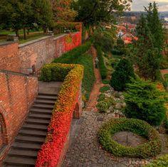 Jardines en el Castillo de Praga by Paul Mouret