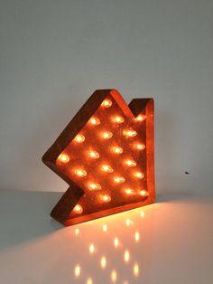 Vintage Marquee Lights - Fat Arrow
