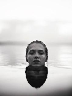 Water Photography, Photography Women, Amazing Photography, Portrait Photography, Photography Ideas, Levitation Photography, Photography Business, Fashion Photography, Outdoor Portrait