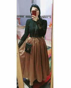 Hijab Dress Party, Hijab Style Dress, Modest Fashion Hijab, Abaya Fashion, Muslim Fashion, Fashion Dresses, Abaya Style, Indian Designer Outfits, Designer Dresses