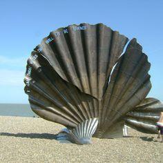 Maggie Hambling sculpture, Suffolk Maggi Hambling, Summer Homework, Sound Art, British Artists, Art Sculptures, Natural Forms, Zoo Animals, Seashells, Fossils