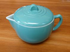 "MODERNTONE Hazel-Atlas ""Little Hostess"" child's 3 ½"" turquoise teapot with lid | eBay"